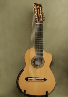 Bruno Boutin Luthier - Picture 13 strings classical guitar Flamenco Ukulele