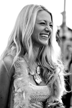 Shared by fernanda. Find images and videos about smile, gossip girl and blake lively on We Heart It - the app to get lost in what you love. Perfect People, Pretty People, Beautiful People, Beautiful Women, Blake Lively, Models, Famous Faces, Woman Crush, Girl Crushes