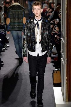Male Fashion Trends: Valentino Fall/Winter 2016/17 - Paris Fashion Week