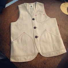 Vest Waistcoat Men, Country Wear, Tailored Shirts, Work Jackets, Leather Vest, Lovely Dresses, Vintage Men, Blazer Jacket, Drill
