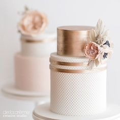 Petite wedding cakes in blush and rose gold. #whatsnottolove #stlwedding #delacremestyle #roseGold #blushwedding #cakeartist