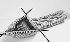 Drops Design, Clothes Hanger, Crochet Bikini, Crochet Pattern, Butterfly, Fashion, Threading, Coat Hanger, Moda