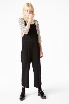 Monki Image 2 of Wide legged dungarees in Black