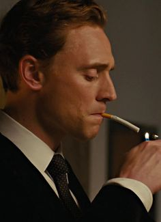"How ""High-Rise's"" orgy scenes got made on a budget: ""'Game of Thrones' has pumped the per-person cost of nudity through the roof"" Thomas William Hiddleston, Tom Hiddleston Loki, Thomas Sharpe, Doctor Robert, Through The Roof, Tom Ellis, Tom Holland, Dr Marvel, Loki Aesthetic"