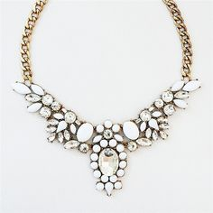 White Crystal Collar Necklace - statement necklace with clear glass... ($30) ❤ liked on Polyvore featuring jewelry, necklaces, sparkly statement necklace, clear necklace, sparkle bracelet, clear glass jewelry and bracelet jewelry