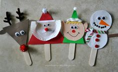 I HEART CRAFTY THINGS: Elf Stick Puppet Craft We are having a bit of a puppet obsession lately. They are so much fun, we just can't help ourselves! We watched Rudolph the Red-Nosed Reindeer and Frosty the Snowman on TV last night and Preschool Christmas Crafts, Winter Crafts For Kids, Snowman Crafts, Christmas Activities, Yarn Crafts, Holiday Crafts, Snowman Wreath, Preschool Winter, Summer Crafts