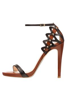 Giorgio Armani Twitter @ThePowerofShoes www.SocietyOfWomenWhoLoveShoes.org Instagram @SocietyOfWomenWhoLoveShoes