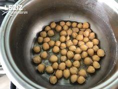 Pratik Nohutlu Patates - Leziz Yemeklerim Beans, Drink, Vegetables, Food, Beans Recipes, Veggies, Veggie Food, Meals, Vegetable Recipes