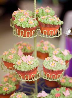 designer cupcakes   cupcake-design-greenies-cupcake