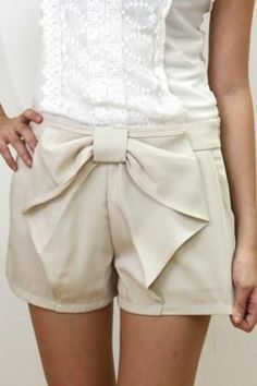 These pair of shorts are dressed up with great detail and the bow makes the shorts look very flattering!