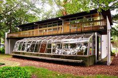 Os Eames são conhecidos principalmente por seus móveis e pela casa em Pacific Palisades, que também utilizavam como escritório. O que poucos conhecem...