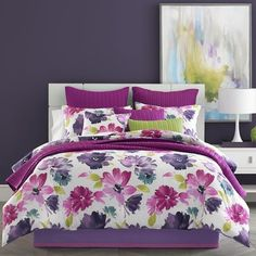 Dress your bed in chic sophistication with the J by J. Queen New York Midori Comforter Set. The beautiful bedding features oversized watercolor flowers in hues of fuchsia, violet, and indigo on a white ground. Floral Comforter, King Comforter Sets, Lavender Comforter, Console, Camas King, Queens New York, Best Bedding Sets, Bedding Collections, Bed Spreads
