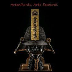 Antonio ClementeはInstagramを利用しています:「www.artenihonto.com Arte samurai original. #katana #nihonto #wakizashi #japaneseart #art #artejapones #samurai #makie #koshirae #NBTHK…」 Katana, Surreal Art, Headgear, Japanese Art, Surrealism, Helmet, History, Instagram, Japan Art