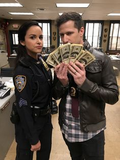 Jake Peralta x Amy Santiago - - Peraltiago Brooklyn Nine Nine, Brooklyn 99 Cast, Brooklyn 99 Actors, Movies Showing, Movies And Tv Shows, Series Movies, Tv Series, Jake And Amy, Babe