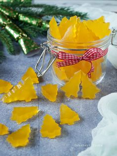 Christmas Deserts, Christmas Crafts, Christmas Decorations, Diy Snacks, Yummy Snacks, Low Carb Sweets, Healthy Sweets, Jar Gifts, Food Gifts