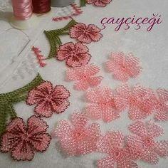 Needle lace - The world of needlework Crochet Unique, Beautiful Crochet, Lace Flowers, Crochet Flowers, Bead Crochet, Crochet Lace, Ribbon Embroidery, Embroidery Designs, Tatting