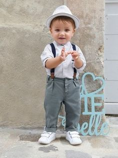 Conjunto para bebé menino, camisa + calças com Kids Fashion Boy, Toddler Fashion, Toddler Outfits, Baby Boy Outfits, Kids Outfits, Cute Little Boys, Cute Baby Boy, Cute Babies, Baby Boy Style