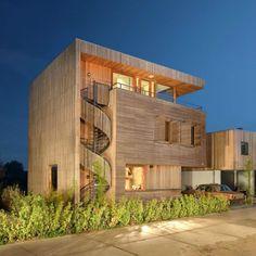 "Вилла Rieteiland-Oost была спроектирована студией Egeon Architecten ( http://www.egeon.nl/"" )"