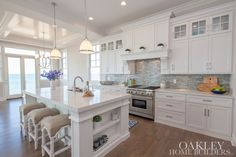 Remember Everly Brothers lyrices - Dre-e-e-em, Dream, Dream, Dream ...omg - I want this kitchen now!