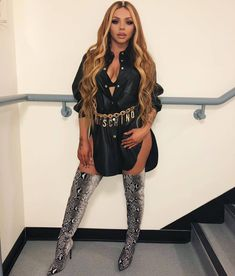 Jesy Nelson turns Ginger Spice in plunging Union Jack mini-dress Little Mix Outfits, Little Mix Jesy, Little Mix Style, Little Mix Girls, Cute Outfits, Jesy Nelson, Taylor Swift Hair, Taylor Swift Facts, Perrie Edwards