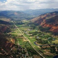 Durango, Colorado. I've hiked a trail with a very similar view of this valley. Love this area of the state <3