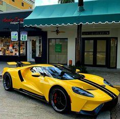 Top 102 sport luxury exotic cars for 2019 - Ford GT - Modified Luxury Sports Cars, New Sports Cars, Exotic Sports Cars, Best Luxury Cars, Super Sport Cars, Exotic Cars, Ford Gt40, Ford Mustang, Sexy Cars