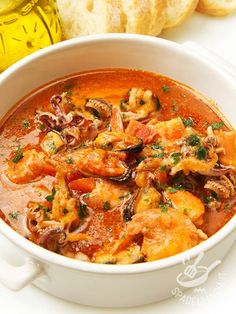 Here you can find a collection of Italian food to date to eat Octopus Recipes, Fish Recipes, Seafood Recipes, Pasta Recipes, Soup Recipes, Cooking Recipes, Italian Dishes, Italian Recipes, How To Cook Fish