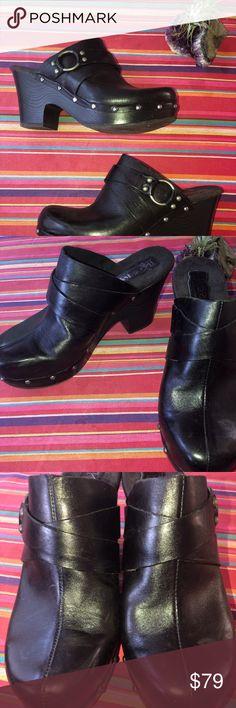 40c10ad6a91e Kork-Ease Korks black leather slip on clog heels EUC