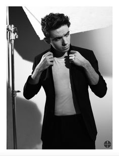 Nathan Sykes's photoshoot - Sounds Magazine app Nathan Skyes, Sound Free, Tom Parker, Don T Say, Attractive People, Country Singers, Interesting Faces, Celebs, Celebrities