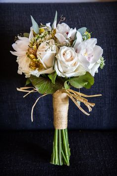 gorgeous ivory bridal bouquet