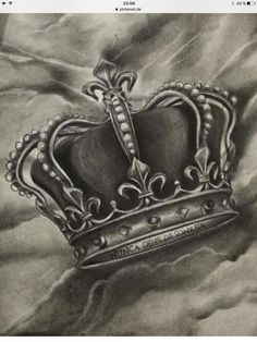 corona king Feel like this King Crown Tattoo, King Queen Tattoo, Crown Tattoo Design, King Tattoos, Body Art Tattoos, New Tattoos, Sleeve Tattoos, Tattoos For Guys, Crown Hand Tattoo