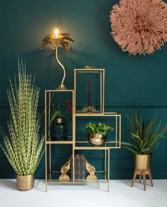 Color crush: groen met goud combineren in je interieur Color crush: combining green with gold in your interior – Everything to make your home your Home Living Room Green, Bedroom Green, Living Room Decor, Dining Room, Bedroom Colors, Art Deco Interior Living Room, Teal Bedroom Decor, Teal Living Rooms, Art Deco Bedroom