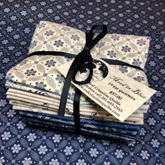 19 fat quarters of Mood in Blues by Paula Barnes for Marcus Fabrics Blue Quilts, Fat Quarters, Quilt Patterns, Gift Wrapping, Red, Fabric, Gift Wrapping Paper, Tejido, Tela