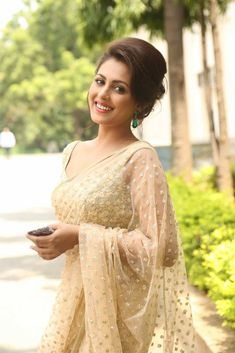 Madhu Shalini Latest Photos In White Saree - Actress Album Beautiful Girl Indian, Most Beautiful Indian Actress, Beautiful Saree, Gorgeous Women, Dress Indian Style, Indian Dresses, Indian Outfits, Kajal Agarwal Saree, Sarees For Girls