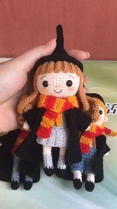 Crochet Crafts, Yarn Crafts, Crochet Toys, Crochet Projects, Crochet Dolls Free Patterns, Crochet Doll Pattern, Doll Patterns, Harry Potter Crochet, Harry Potter Dolls