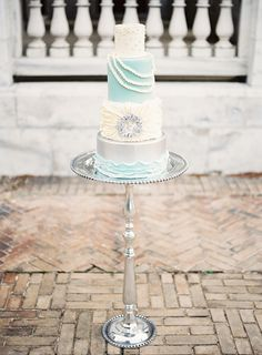 Blue and Silver Wedding Cake | photography by http://www.alicialaceyphotography.com/