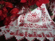 lenço de namorados - traditional handkerchief in cross-stitch from northern Portugal