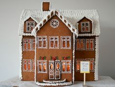 gingerbread wonderfulness Gingerbread House Designs, Gingerbread Village, Christmas Gingerbread House, Swedish Christmas, Christmas Sweets, Christmas And New Year, Christmas Cookies, Christmas Holidays, Merry And Bright