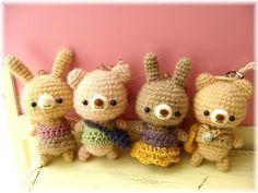 編みぐるみ Kawaii Crochet, Crochet Toys, Halloween Pumpkins, Halloween Decorations, Knitted Animals, Modern Crochet, Cute Little Things, Diy Doll, Diy And Crafts