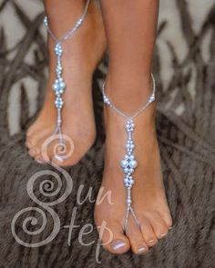 Free pattern for beaded foot (ankel) bracelet Sun Step   U need: seed beads 11/0 seed beads 8/0 pearls 8 mm pearls 6 mm pearls 4 mm   Start with 2 needles from red star. String on first needle 1 seed
