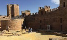 Prioridad de la Junta por la oferta turística de Baños de la Encina en torno a su Castillo