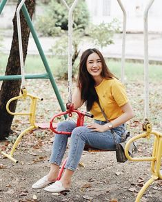 Kpop Fashion Outfits, Fashion 101, Korean Fashion, Fashion Beauty, Stylish Summer Outfits, Trendy Outfits, How To Pose, Ulzzang Girl, Casual Looks