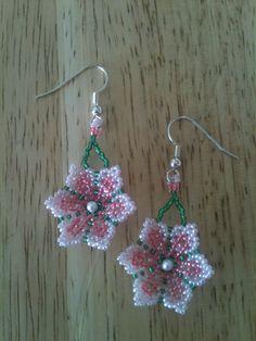 Handmade Circular Net Weave Beaded Earrings by SeedBeadingByRGR - flotte blomster ørenringe - skal laves