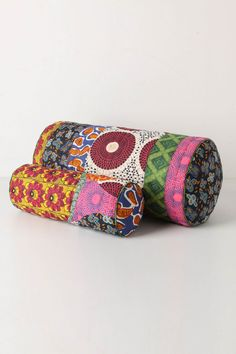 Using Art and Crafts in African Decor African Quilts, African Fabric, Textiles, African Home Decor, African Interior, Quilted Pillow, African Design, Fabric Scraps, Soft Furnishings