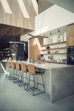 If you're considering a kitchen makeover but don't think you have enough space to work with, then this article can be particularly useful to you. We've prepared 10 tips that will make your small kitchen look bigger and more spacious. Kitchen Design Open, Kitchen Layout, Interior Design Kitchen, Kitchen Small, Wooden Kitchen, Home Decor Kitchen, Kitchen Furniture, Kitchen Ideas, Plywood Furniture