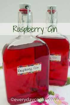 Gin Raspberry Gin is brilliant in cocktails or fruit punch or with a dry tonic. Make all year with frozen raspberries.Raspberry Gin is brilliant in cocktails or fruit punch or with a dry tonic. Make all year with frozen raspberries. Flavored Alcohol, Flavoured Gin, Homemade Alcohol, Homemade Liquor, Cocktails, Cocktail Drinks, Alcoholic Drinks, Beverages, Liquor Drinks