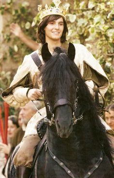 Newly crowned King Caspian - Ben Barnes... Ugh... He's so pretty! Where can i get a King Caspian?