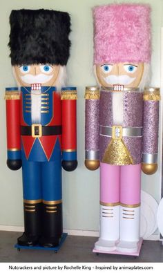 Giant nutcracker made by Rochelle in New Zealand inspired by the book from Anima Christmas Wood, Outdoor Christmas, Christmas Projects, Holiday Crafts, Christmas Time, Nutcracker Christmas Decorations, Xmas Decorations, Christmas Ornaments, Nutcracker Costumes