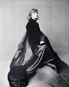 Irving Penn, Portrait, Greer Garson, New York, 1947 for Vogue Magazine.