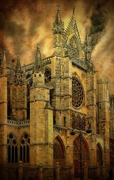 SPAIN / Cities, towns, landscapes - León, Spain by Jose luis Mieza Cathedral Architecture, Gothic Architecture, Beautiful Architecture, Beautiful Buildings, Beautiful Places In The World, Oh The Places You'll Go, Wonderful Places, Places To Travel, Places To Visit